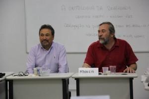 Professores Esteban Marcos Rojas Guevara e Jorge Mpodozis da Universidade do Chile